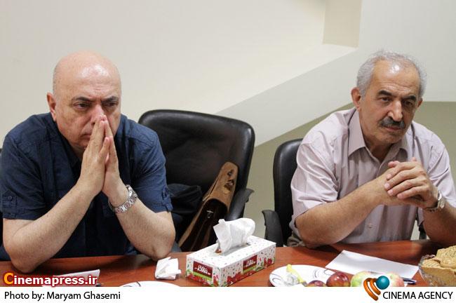 قاسم قلی پور و سعید اسدی کارگردان در  نشست ساخت فیلم ایرباس به بهانه سالگرد حمله به هواپیمای ایرباس