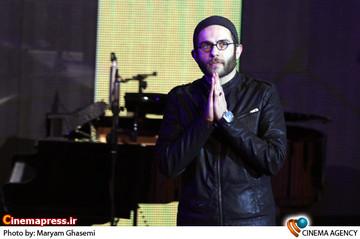 بابک حمیدیان دراختتامیه سی و دومین جشنواره بین المللی فیلم فجر